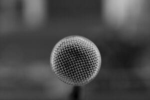 proyectar la voz